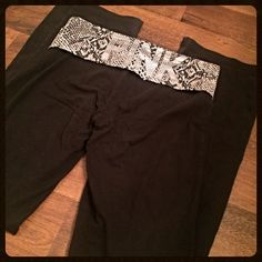VICTORIA SECRET PINK yoga pants small sexy legging VICTORIA SECRET PINK yoga pants small sexy legging. Awesome condition ❤️ 'PINK' is in Rhine stones on the back fold over PINK Victoria's Secret Pants Leggings