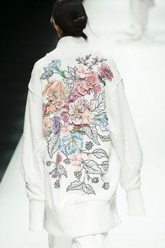 Вышивка для одежды. Гладь, смешанные техники - стр. 2 - Вышивка на одежде - New embroidery