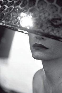 Amber Valletta-by Peter Lindbergh-Vogue Italia-February 2013