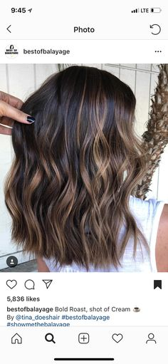 bold roast shot of cream espresso balayage bold roast shot of cream espresso balayage Gold shoulder short – Roasted Almond Highlights 99 Modern Short Ombre Hair Color Ideas Brown Hair Balayage, Hair Highlights, Balayage Hair Brunette Medium, Hair Color Ideas For Brunettes Balayage, Bayalage, Medium Hair Styles, Curly Hair Styles, Cabelo Ombre Hair, Brunette Hair