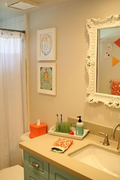 Favourite kids bathroom! This would work great in our place, and be a relatively easy re-do from the existing bathroom!
