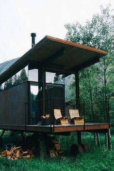 Outstanding Shipping Container Homes - House Topics Shipping container homes are beautiful and uncomplicated. This simple and clean looking unit allows you to have a roof on your land very fast. You can already order fully equipped … Cargo Container Homes, Building A Container Home, Container House Design, Shipping Container Homes, Container Houses, Shipping Containers, Storage Container Homes, Container Cabin, Storage Containers