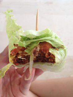 Nut burger - amazing Brazil nut pattie, nut mayo, raw ketchup, homemade mustard, onions, tomatoes, loads of avocado, pea shoots ️ #nomnom #rawburger #rawfood #rawfoodshare #livingfoods #enzymes #nutrients #plantbased #plantprotein #eatforbeauty #foodismedicine #nourish