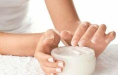 A pele seca exige cuidados um pouco mais especiais que a pele mista e oleosa. Normalmente é quem tem esse tipo de pele que reparam mais cedo os sinais da idade, as linhas de expressão e rugas. A ...