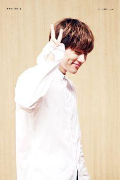 That dimples Kim Myungsoo L Infinite, Infinite Members, L Kpop, Kim Myungsoo, Lee Sungyeol, Kim Sung Kyu, Kdrama Actors, Woollim Entertainment, Perfect Boy