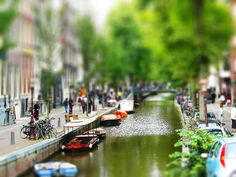 Great river scene in Amsterdam, with tilt-shift. http://www.flickr.com/photos/19339528@N02/3730376768/