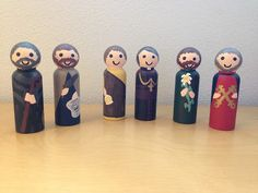 Look to Him and be Radiant: I jumped on the peg doll band wagon. Catholic Religious Education, Catholic Crafts, Catholic Kids, Catholic Saints, Activities For Kids, Crafts For Kids, Craft Kids, Catechist, Christmas Wood