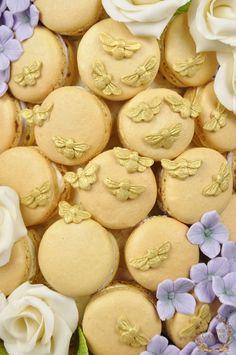 Honey, Vanilla & Lavender Beehive Macaron Cake! -