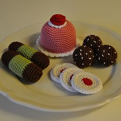 Ravelry: Crochet Pattern - Swedish Cakes and Cookies 1 pattern by Susanne Fågelberg