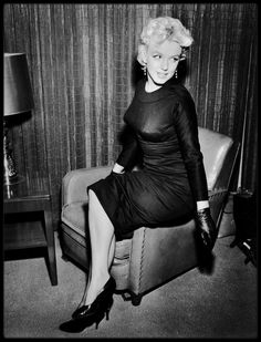 """15 Mars 1956 / (Part IV) Marilyn quitte New York, pour la ville de Phoenix, en Arizona, pour débuter les extérieurs du film """"Bus stop"""", notamment la scène du rodéo."""