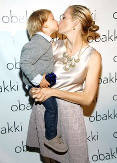 And for me kiss,PLEEEASE! LOL But I really want ;) @KellyRutherford