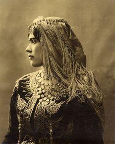 Africa | A Jewish girl from Algeria, c1890 / Une jeune juive d'Algérie, c1890. |  Photographer ?