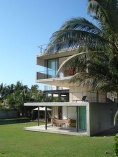 LA CARACOLA BEACH HOUSE at TRES VIDAS GULF COURSE ACAPULCO MEXICO    PAUL CREMOUX studio