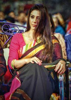 Vidya Balan Hot, Tabu, Bollywood Designer Sarees, Android Hacks, Indian Bollywood Actress, Cute Girl Face, Aikido, Hot Actresses, Indian Beauty