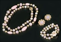 A MIRIAM HASKELL FAUX BAROQUE PEARL AND PINK BEAD PARURE. Lot 150-8017 #jewelry