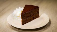 Rezept von Eveline Wild | 1 Stunde 20 Minuten (ohne Stehzeiten)/aufwendig Eveline Wild, Sweets, Cake, Recipes, Food, Pies, Chocolate Cake, Dessert Ideas, Sweet Pastries