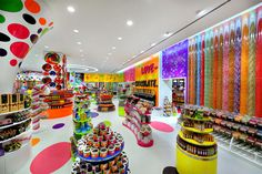 The Candylicious flagship is 10,000 sq ft., making it the largest candy store in the world. Before you even get to the store you'll likely see the Candylicous Car circling about. Highlights inside the store itself: a lollipop tree, a Candylicious Airplane kids can ride and an old-timey soda fountain.