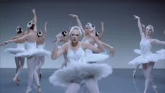 Ok, so you've never seen actual ballet. That's OK! | 27 GIFs Of Taylor Swift Dancing Awkwardly In Her New Music Video