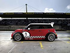 The MINI JOHN COOPER WORKS Challenge: a beast on the racetrack.