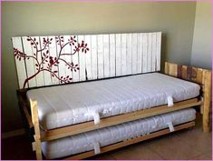salon / chambre : canapé / lit double