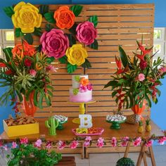Festa Tropical: 110 ideias e tutoriais cheios de alegria e cores Aloha Party, Moana Birthday Party, 13th Birthday Parties, Luau Birthday, Fiesta Party, Luau Party, Birthday Party Decorations, Mexican Birthday, Mexican Party
