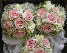 Wedding Flowers Blog: Helens Wedding Flowers, Vintage pinks.Chilworth Manor
