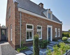 Een prachtige landelijke woning gelegen in de Alblasserwaard. De woning is netjes afgewerkt en voldoet aan alle wensen van de opdrachtgever.