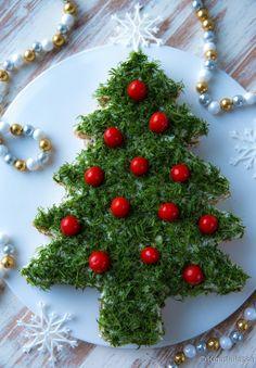 Joulukuusi-voileipäkakku