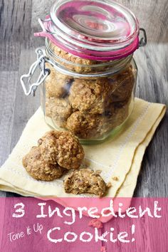 3 Ingredient Cookies // bananas, oatmeal & protein powder via Tone it Up #healthy #fitness