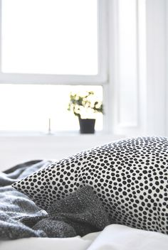 Via Ollie and Sebs Haus | Black and White | Bedroom