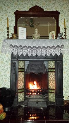 Ands Hardman: @DowntonAbbey #DowntonNight #Downton been sat by the fire all day and plan to do so all night.
