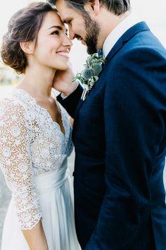 Amanda & Chris: Hinterhof-Romantik, BBQ und ein Eheversprechen Mehr