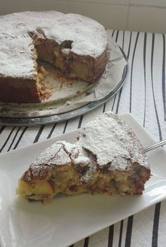 Sweet Recipes, Cake Recipes, Apple Pie Cake, Flaky Pastry, Greek Dishes, Sliced Almonds, Sweet Cakes, Cupcake Cakes, Cupcakes