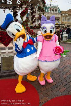 #Disneyland Paris. Donald Duck & Daisy #DLP #DLRP #Disney
