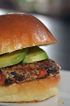 Are you grilling for Father's Day? Check out these black bean burgers - safe, healthy and YUM! #fathersday