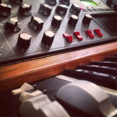 Moog synthesizer. Synth with monophonic analog sound. Huge bass. Use it live and in studio. Legendary.