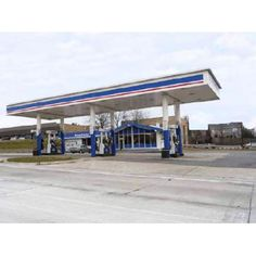 FROMER GAS STATION FOR SALE - Photo