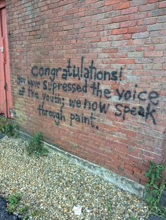 Graffiti is real free speech. Graffiti Quotes, Street Art Quotes, Fotos Do Instagram, Affirmations, Quote Aesthetic, Aesthetic Grunge, Pretty Words, Street Art Graffiti, Me Quotes