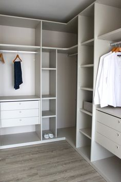 Bedroom Built In Wardrobe, Corner Wardrobe, Bedroom Closet Design, Master Bedroom Closet, Bedroom Wardrobe, Home Room Design, Closet Renovation, Closet Remodel, Wardrobe Door Designs