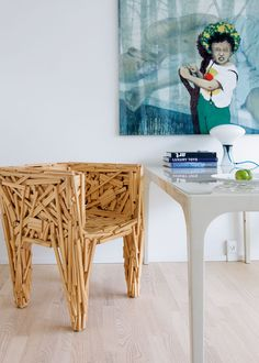 Author of the upcoming e-book on the fetishization of favelas and Brazilian culture Green Furniture, Funky Furniture, Furniture Design, Chair Design, Eclectic Decor, Modern Decor, Appartement Design, Design Apartment, Asian Decor