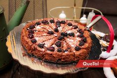 Pastel   Quetal Virtual #postres #mesadepostres #chocolates #posada #navidad