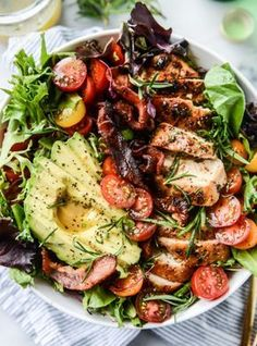 rosemary chicken, bacon and avocado salad I howsweeteats.com #rosemarychicken #bacon #avocado #salad #howsweeteats