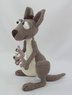 Following this pattern Kanga Roo will be approximately 29 cm, Baby Roo 9 cm…