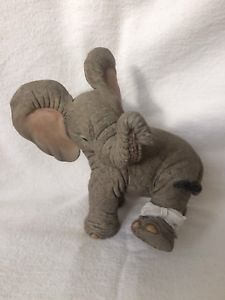 """Tuskers """"Henry-Kiss It Better"""" 90770 Country Artists Hand Crafted Collectible Best Kisses, Country Artists, Dinosaur Stuffed Animal, Crafts, Animals, Ebay, Collection, Manualidades, Animales"""