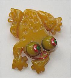 Cute Bakelite frog.