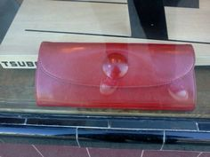 A Uh. Dor. Uh-ble. #Spring #red #clutch