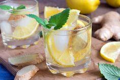 Was steckt hinter dem Sommergetränk des Jahres? Hinein kommt tatsächlich Essigwasser? Das hört sich eher nach Medizin als nach einem leckeren Durstlöscher an. Aber mit den richtigen Zutaten schmeckt der Switchel nicht nur gut, sondern ist auch richtig gesund.