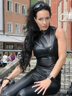 Sexy Outfits, Crazy Outfits, Fall Outfits, Leather Jumpsuit, Leather Leggings, Latex Cosplay, Leder Outfits, Black Faux Leather, Leather Fashion