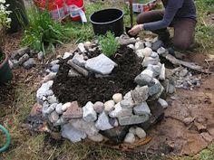 That Bloomin' Garden: Building an Herb Spiral