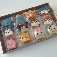 Tsum tsum and friends Disney Desserts, Cute Desserts, Homemade Desserts, Disney Food, Cupcake Cakes, Cupcakes, Disney Cookies, Paint Cookies, Tsumtsum